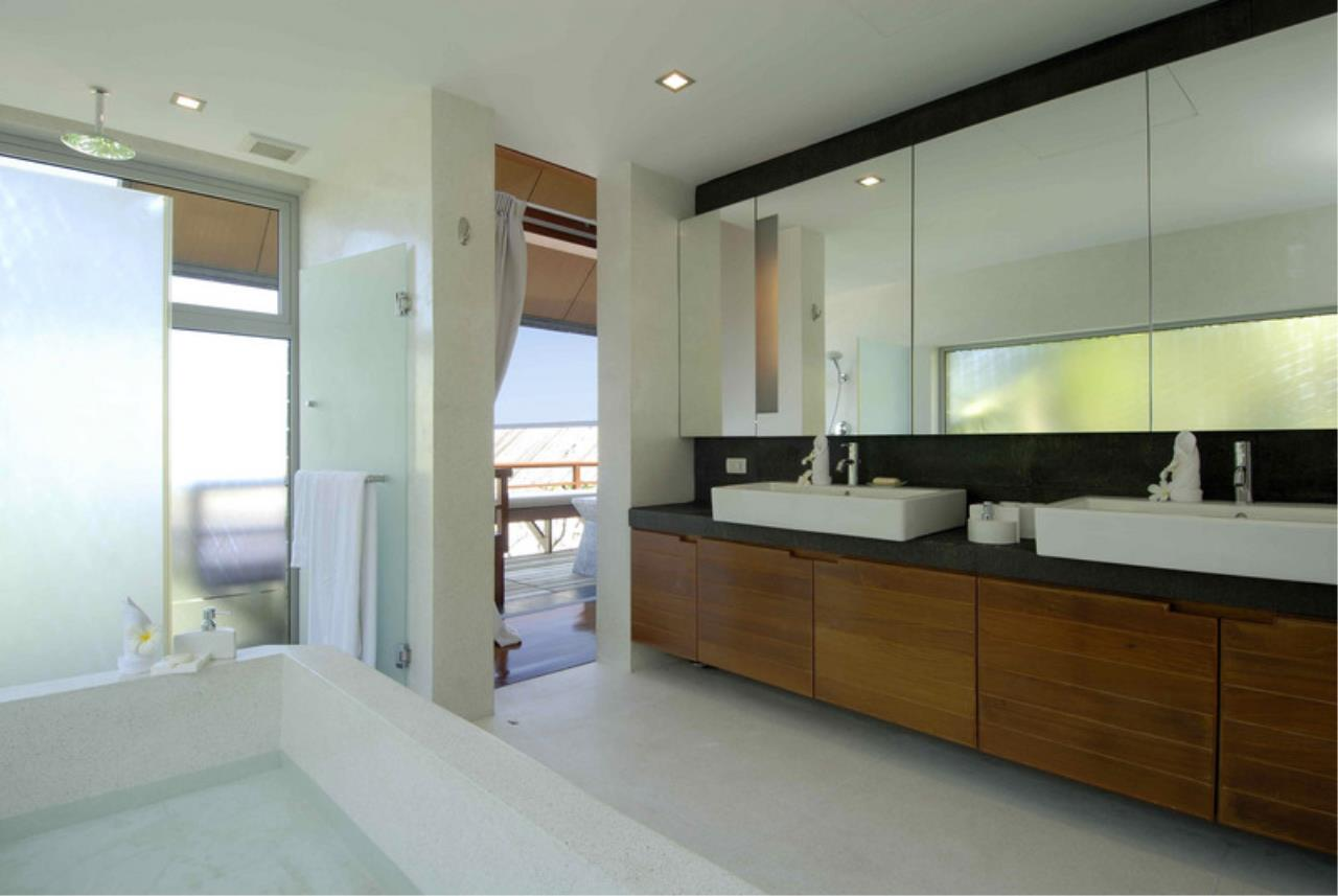 REAL Phuket  Agency's Laem Singh - Elegant 4-Bedroom Oceanfront Villa overlooking Surin Beach 16