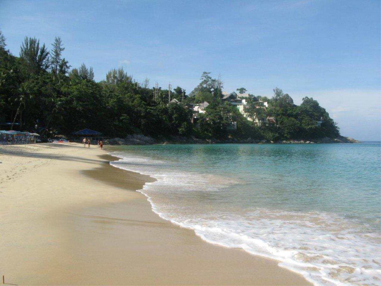REAL Phuket  Agency's Laem Singh - Elegant 4-Bedroom Oceanfront Villa overlooking Surin Beach 31