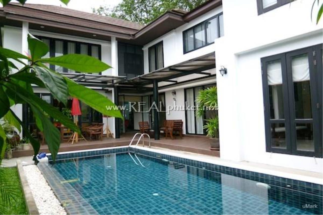 REAL Phuket  Agency's Lovely 3-Bedroom Pool Villa near Laguna 1