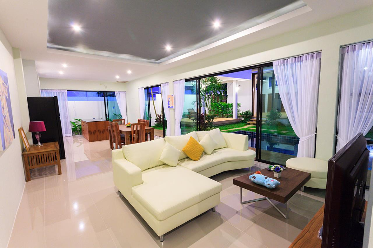 REAL Phuket  Agency's Modern 3-Bedroom Pool Villa in Rawai 4