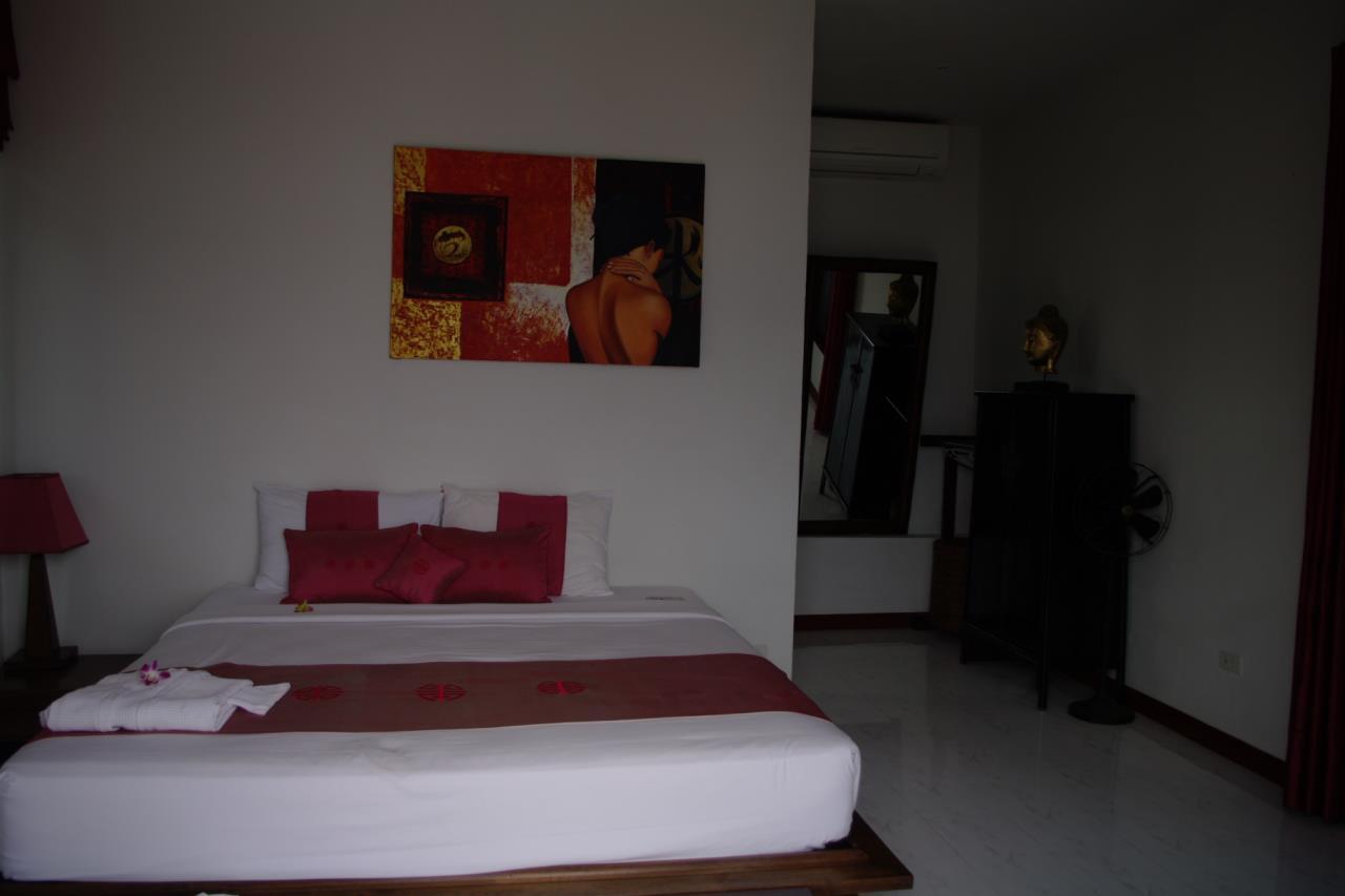 REAL Phuket  Agency's Pra Nang - Superb 5-Bedroom Luxury Villa overlooking Patong Bay 17