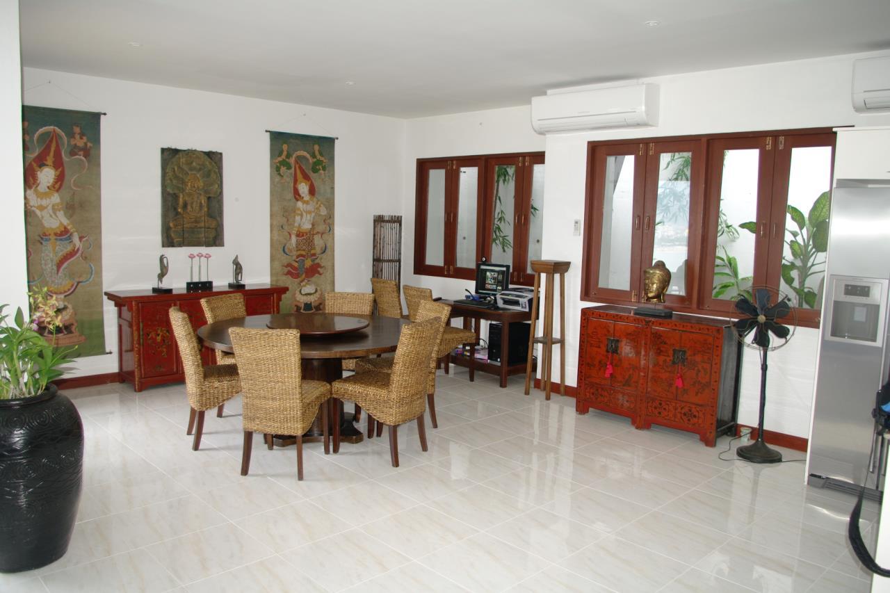 REAL Phuket  Agency's Pra Nang - Superb 5-Bedroom Luxury Villa overlooking Patong Bay 18