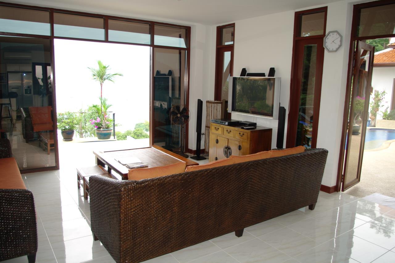 REAL Phuket  Agency's Pra Nang - Superb 5-Bedroom Luxury Villa overlooking Patong Bay 19
