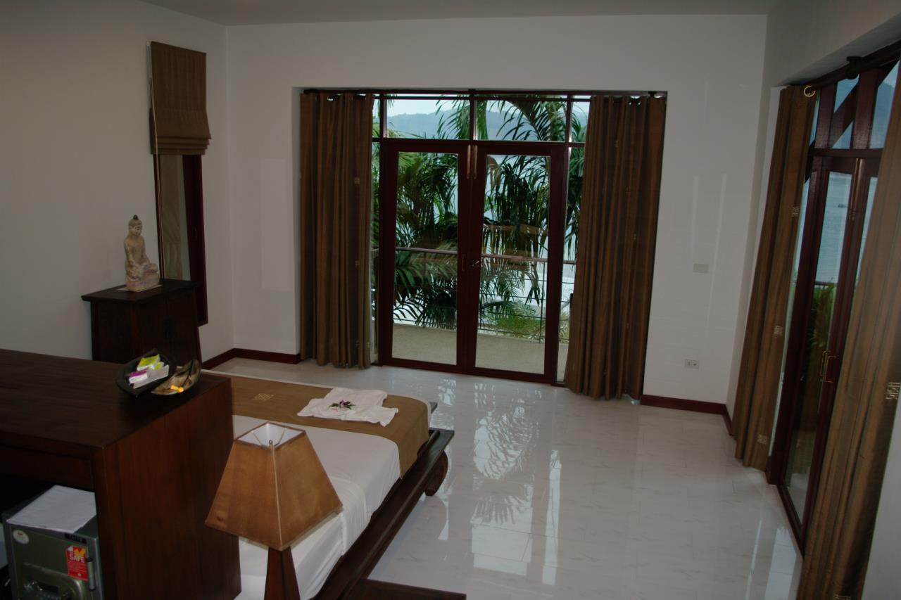 REAL Phuket  Agency's Pra Nang - Superb 5-Bedroom Luxury Villa overlooking Patong Bay 21