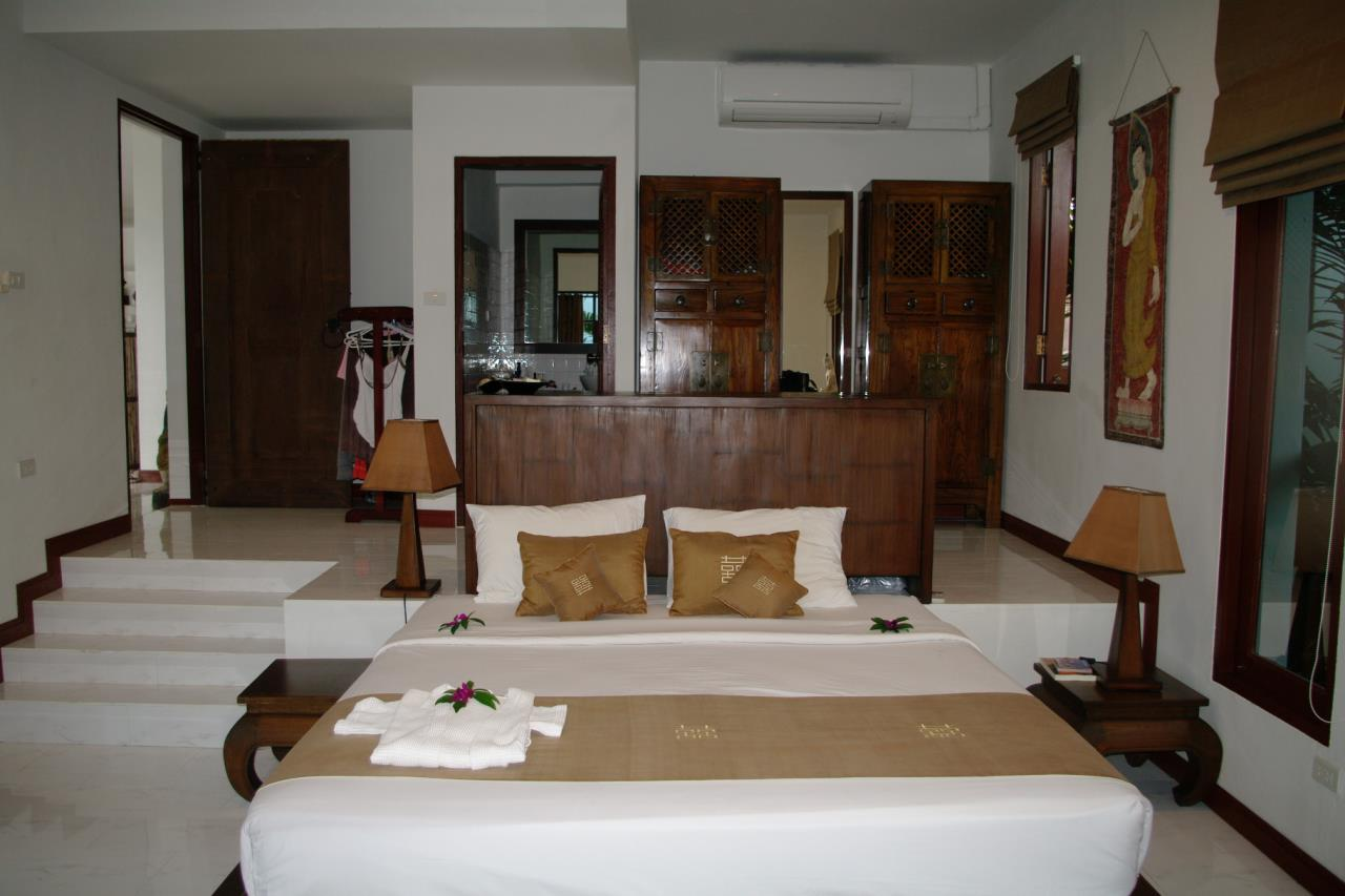 REAL Phuket  Agency's Pra Nang - Superb 5-Bedroom Luxury Villa overlooking Patong Bay 22