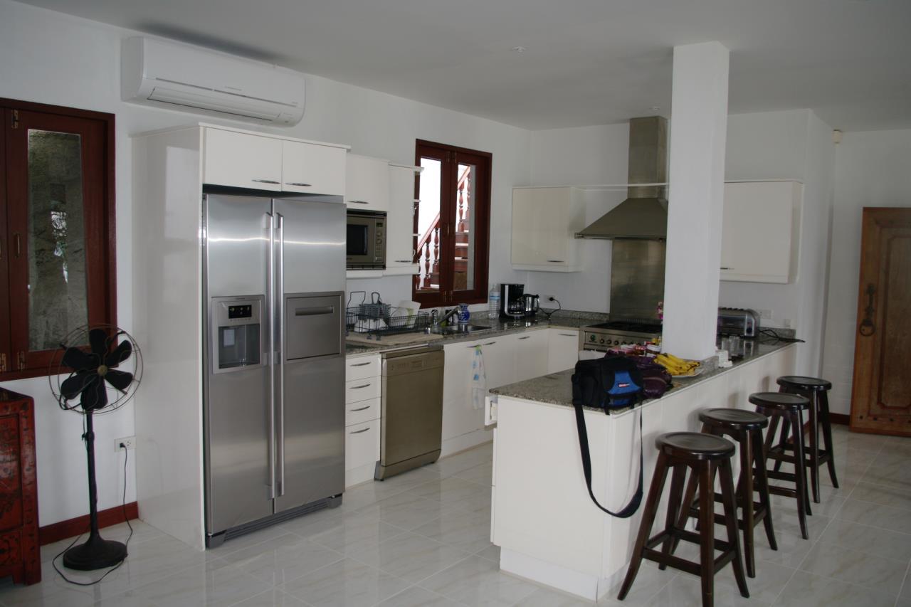REAL Phuket  Agency's Pra Nang - Superb 5-Bedroom Luxury Villa overlooking Patong Bay 23