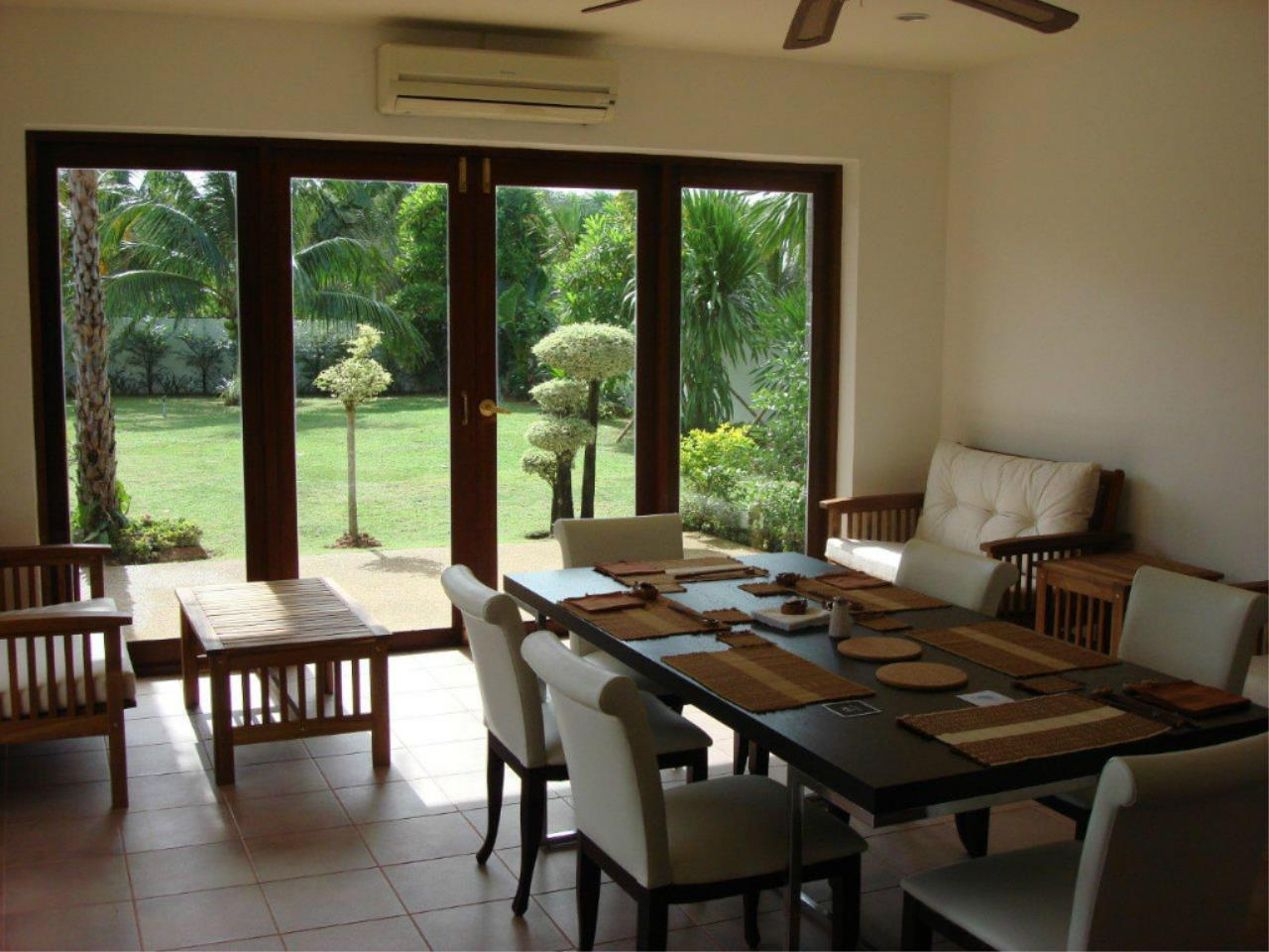 REAL Phuket  Agency's Mission Hills - Outstanding 5-Bedroom Pool & Golf Villa 11