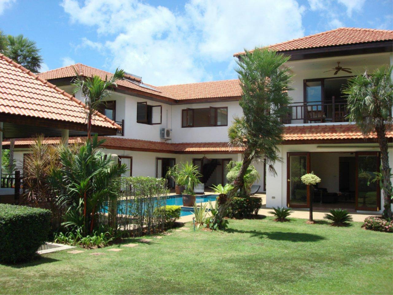 REAL Phuket  Agency's Mission Hills - Outstanding 5-Bedroom Pool & Golf Villa 14