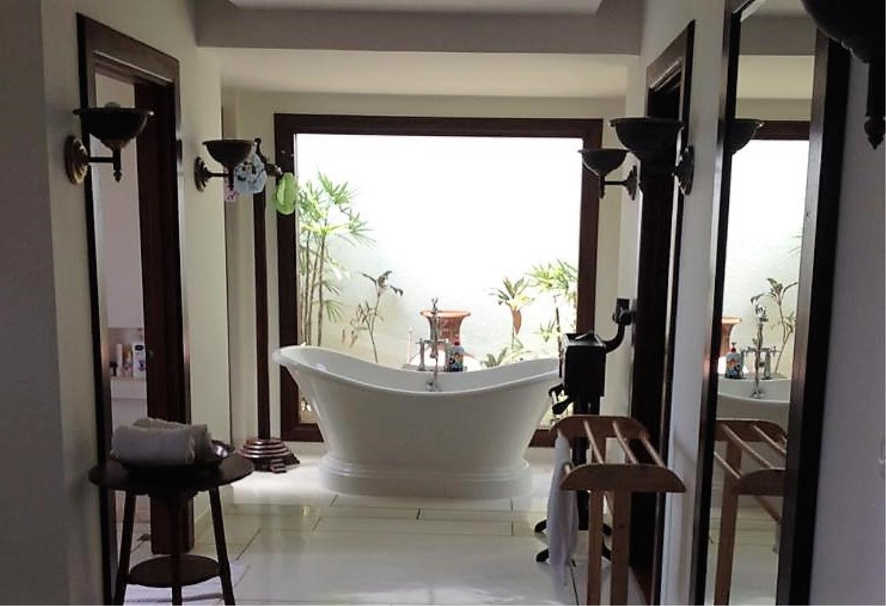 Real Phuket  Agency's Laem Sai - Outstanding 6-Bedroom Villa with Stunning Views across Phang Nga Bay 11