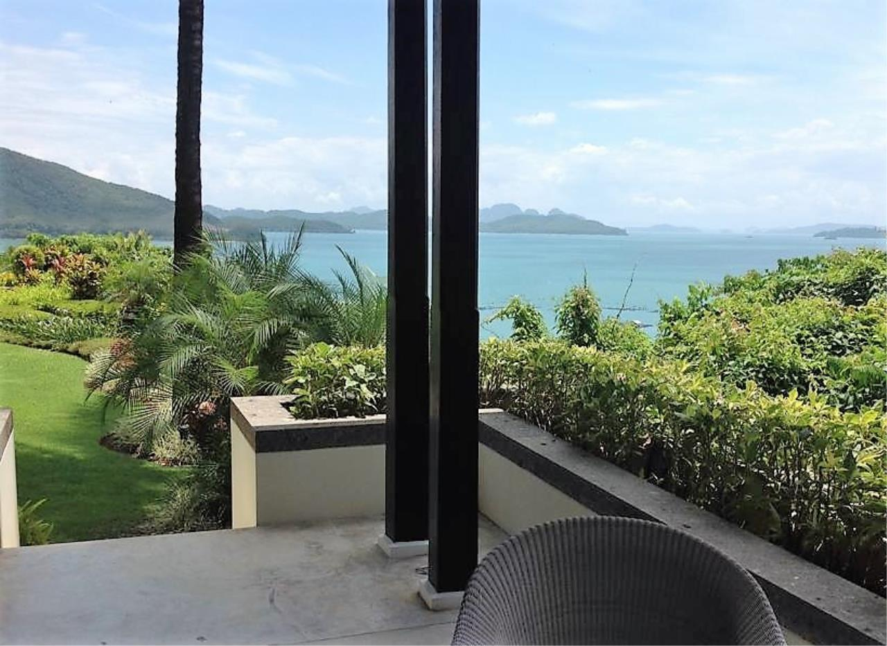 Real Phuket  Agency's Laem Sai - Outstanding 6-Bedroom Villa with Stunning Views across Phang Nga Bay 18