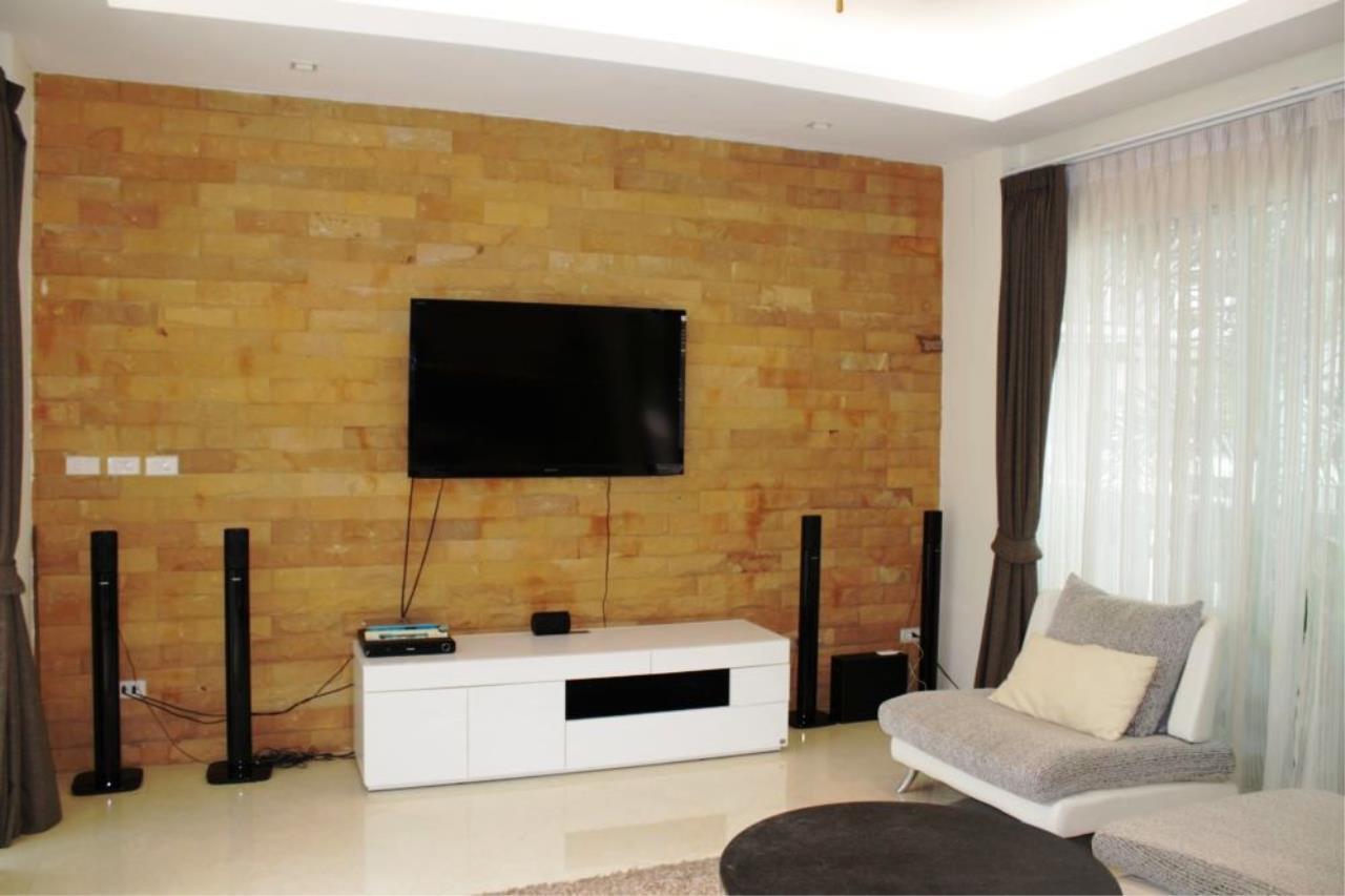 REAL Phuket  Agency's HOT DEAL - Nice 2-Bedroom Pool Villa in Kamala 12
