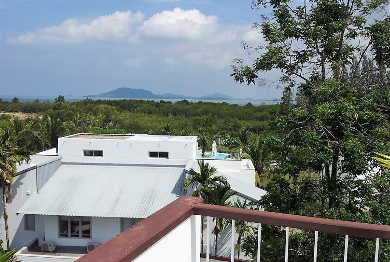 REAL Phuket  Agency's Grove Gardens - 3-Bedroom Penthouse with Roof Top Terrace on Phuket's East Coast 2