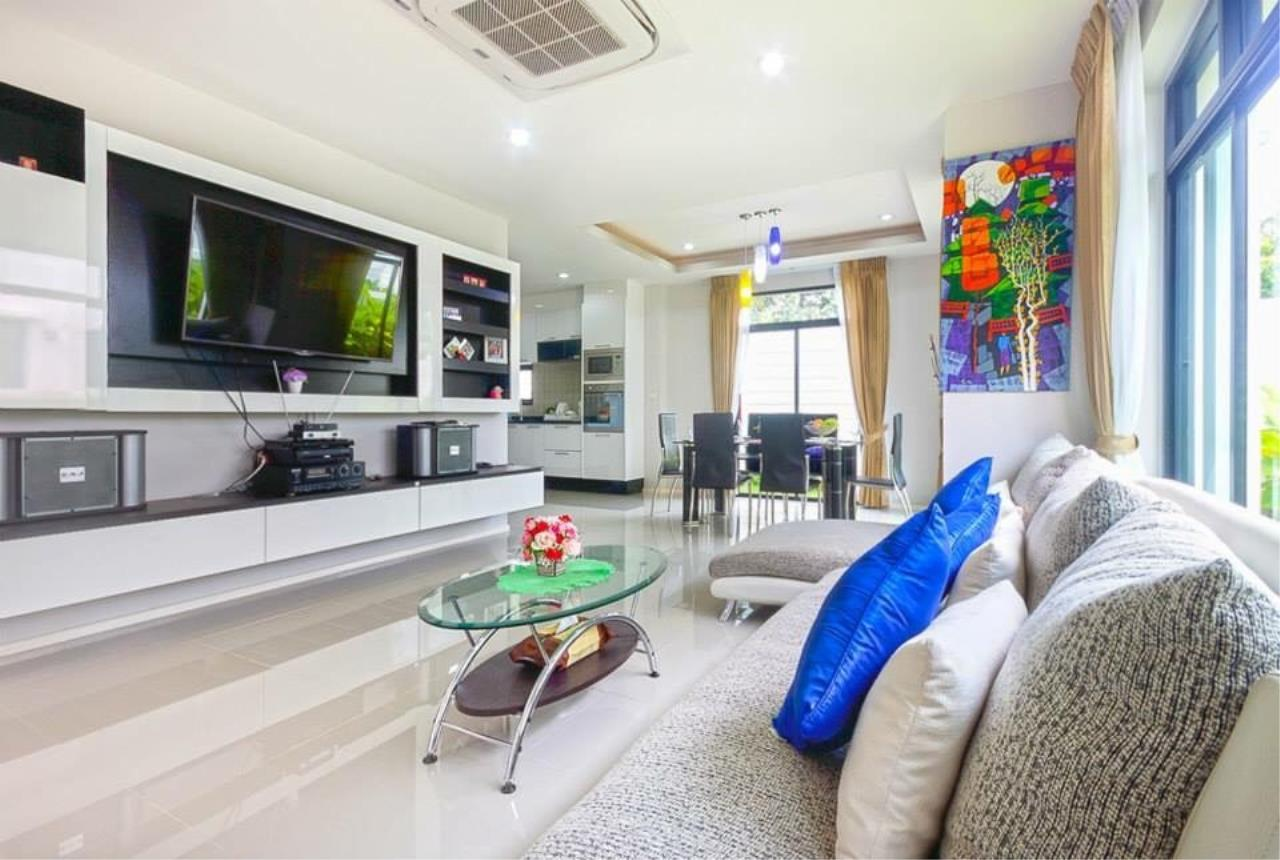 REAL Phuket  Agency's Sabai Village - Modern 4-Bedroom Detached House in Kathu 16