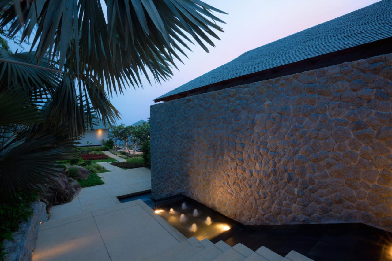 REAL Phuket  Agency's Baan Paa Talee - Magnificent 9-Bedroom Oceanfront Villa at Cape Amarin 89
