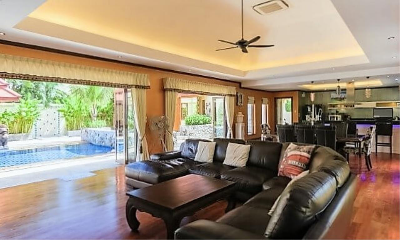 REAL Phuket  Agency's Villa Sophia - An Exceptional 6-Bedroom Balinese Villa in Rawai 7