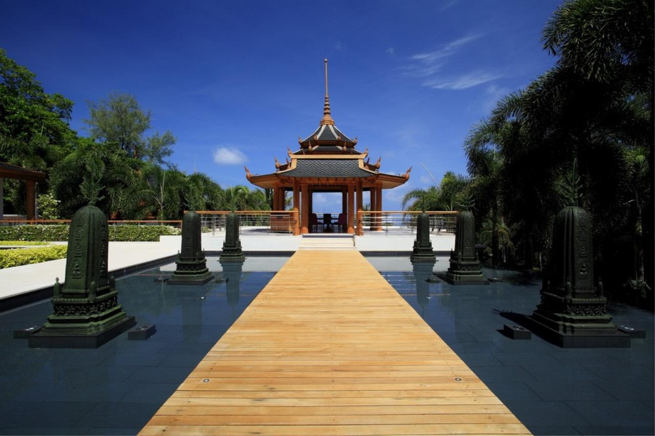 REAL Phuket  Agency's Trisara - Iconic 6-Bedroom Oceanfront Estate 10
