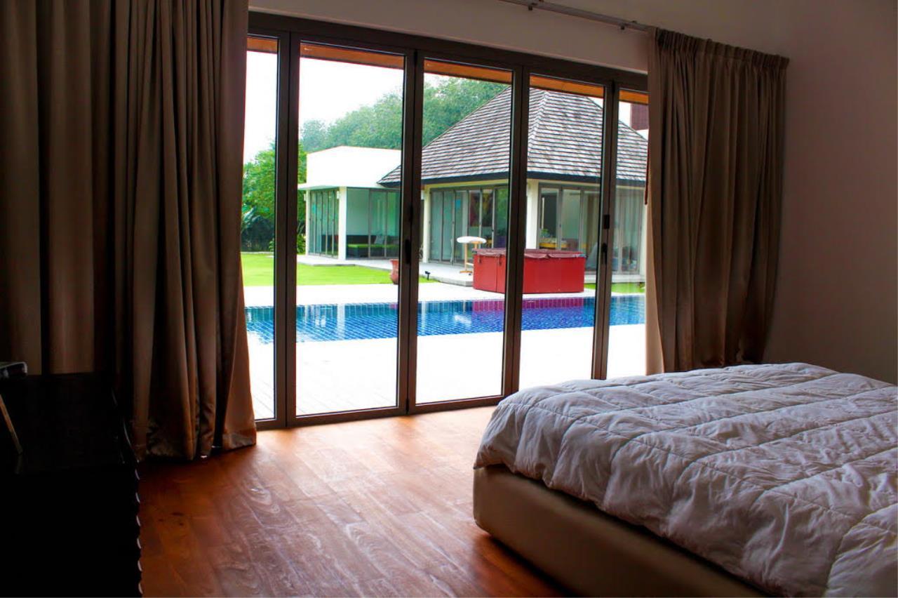 REAL Phuket  Agency's Layan Hills Estate - Contemporary 4-Bedroom Pool Villa 17