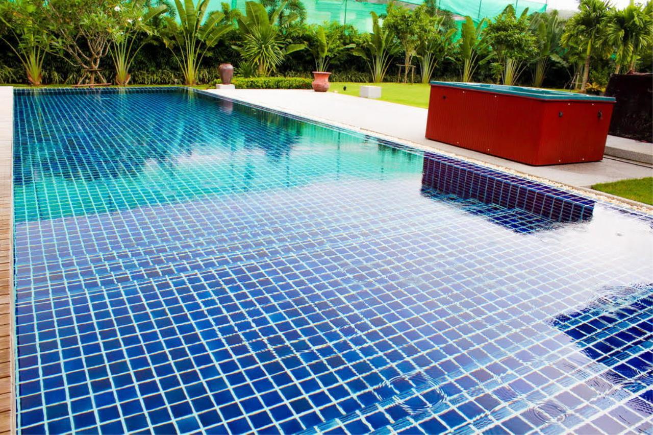 REAL Phuket  Agency's Layan Hills Estate - Contemporary 4-Bedroom Pool Villa 25