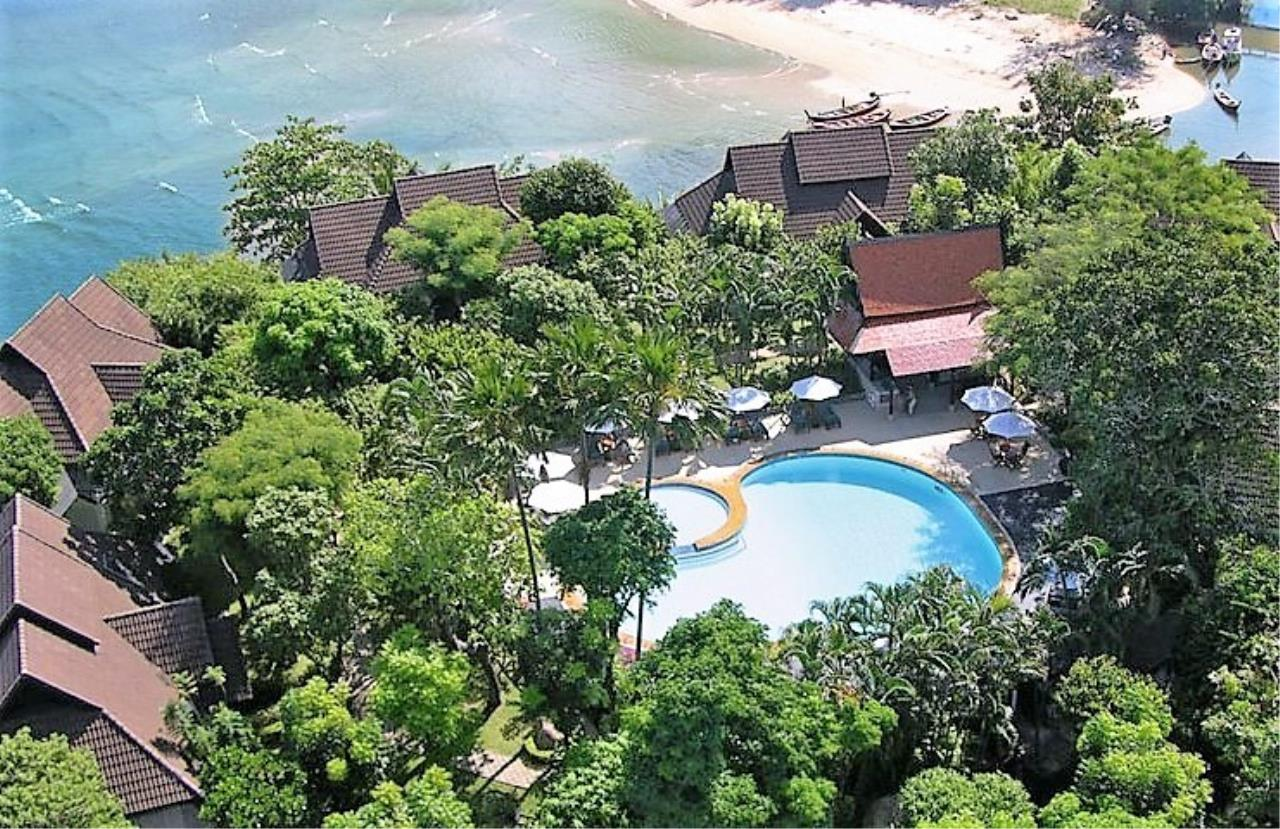 REAL Phuket  Agency's Kamala Beach Estate - Superb 4-Bedroom Oceanfront Resort Villa 2