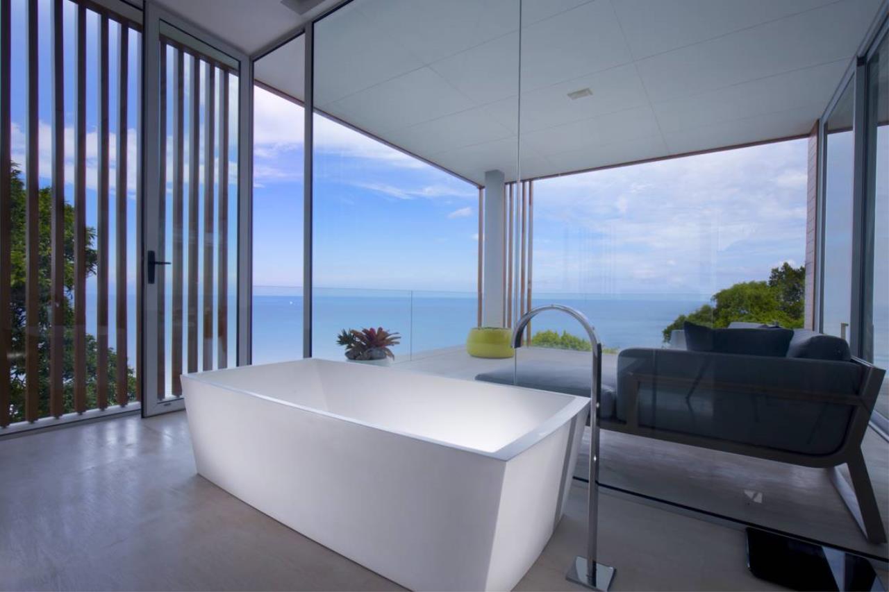 REAL Phuket  Agency's Villa Mayavee - 4-Bedroom Luxury Villa at Waterfall Bay 16