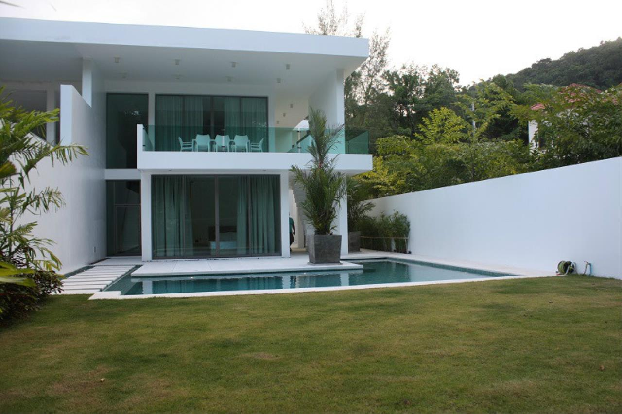 REAL Phuket  Agency's New Modern 3-Bedroom Pool Villa in Rawai 3
