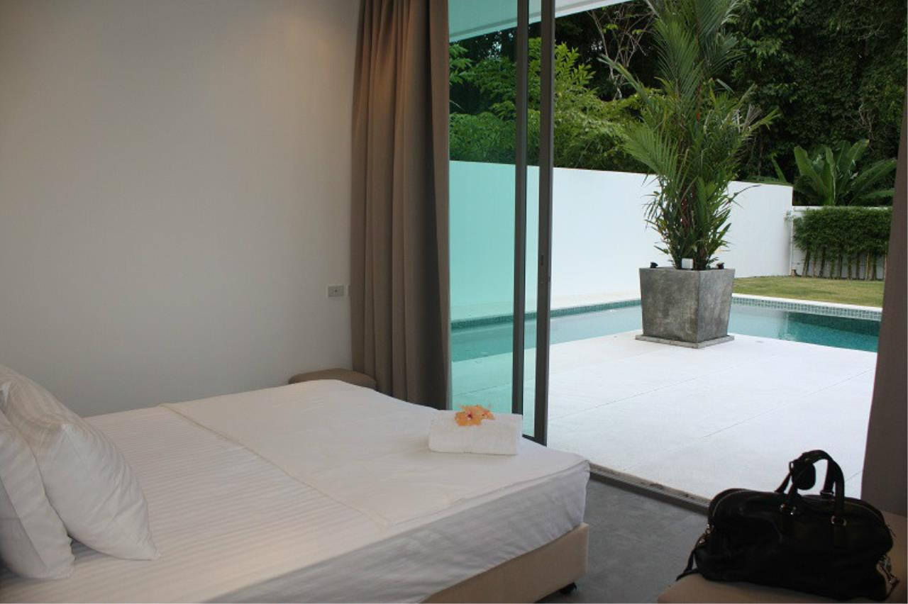 REAL Phuket  Agency's New Modern 3-Bedroom Pool Villa in Rawai 9
