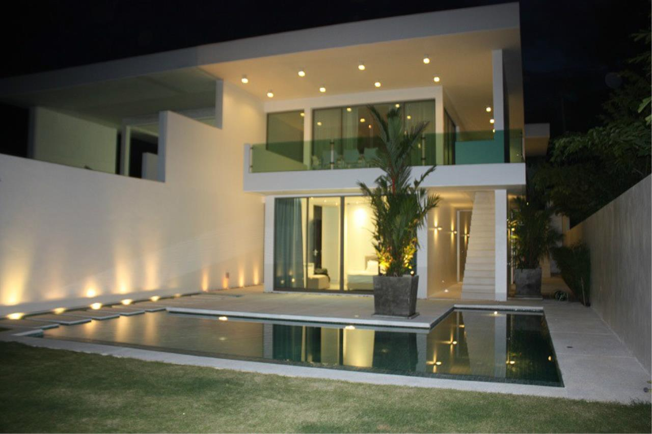 REAL Phuket  Agency's New Modern 3-Bedroom Pool Villa in Rawai 1