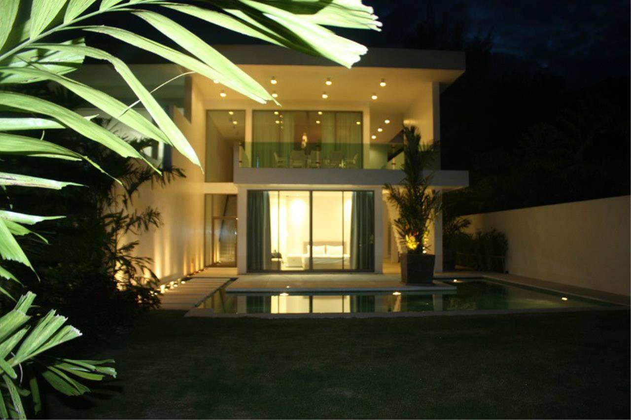 REAL Phuket  Agency's New Modern 3-Bedroom Pool Villa in Rawai 17