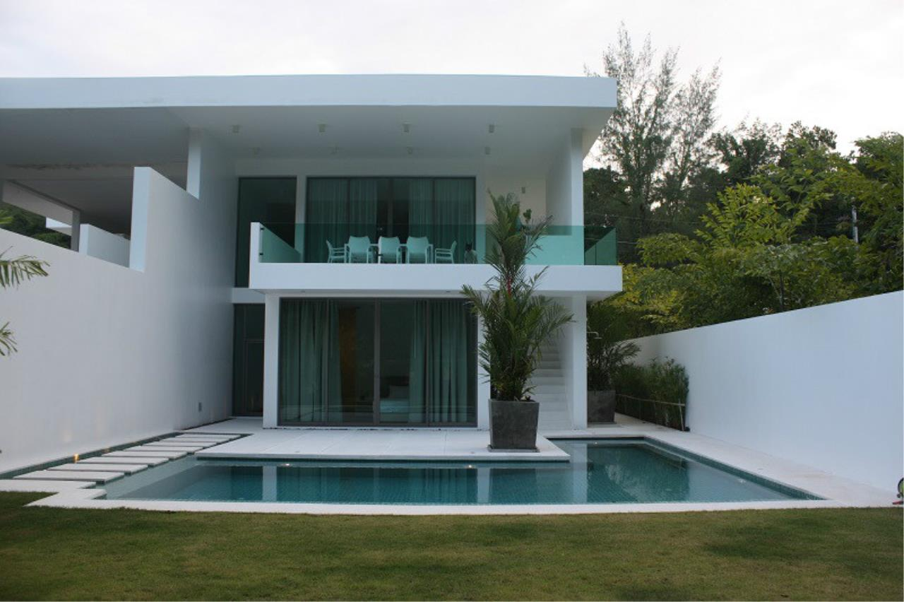 REAL Phuket  Agency's New Modern 3-Bedroom Pool Villa in Rawai 19