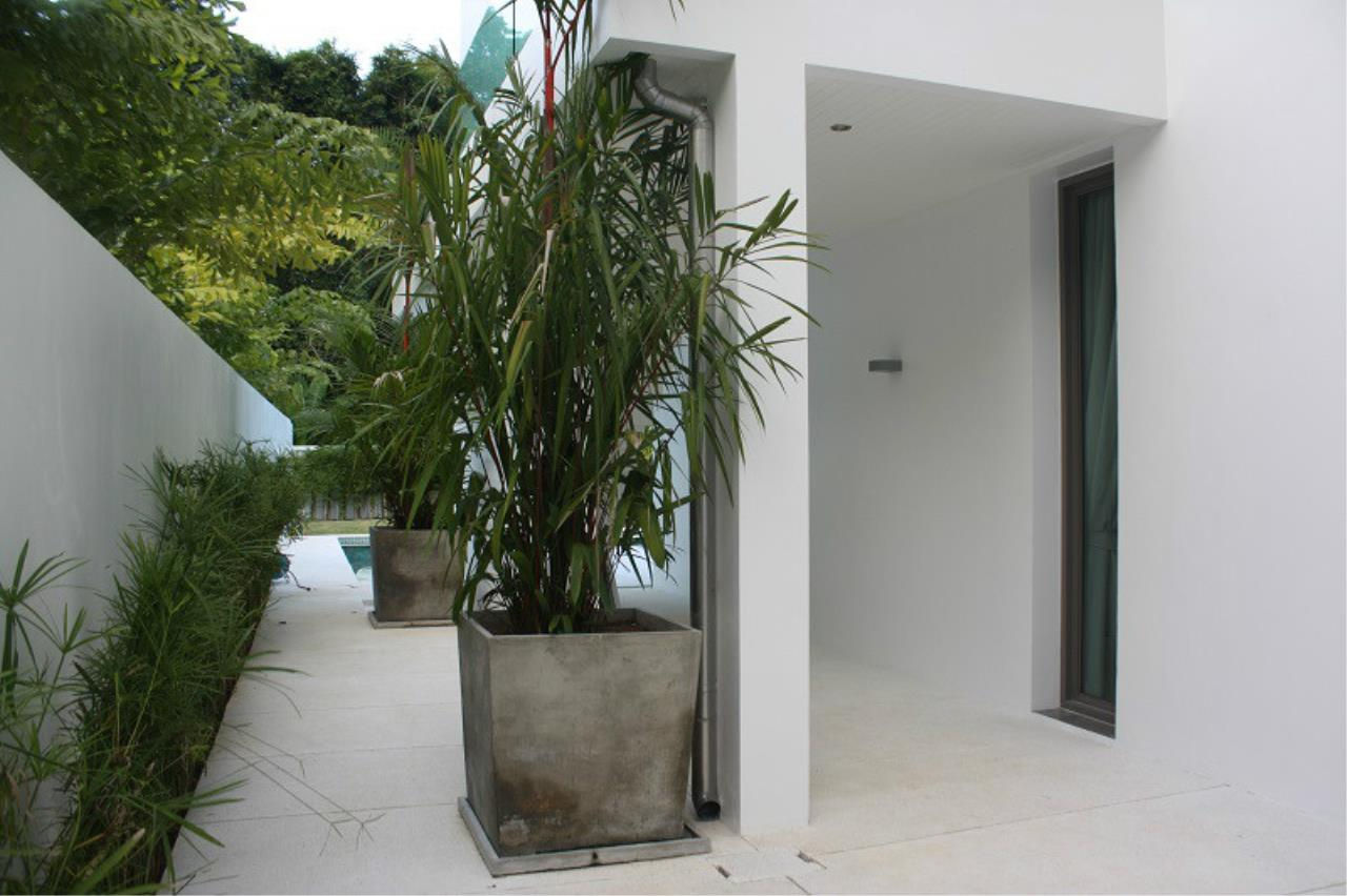 REAL Phuket  Agency's New Modern 3-Bedroom Pool Villa in Rawai 21