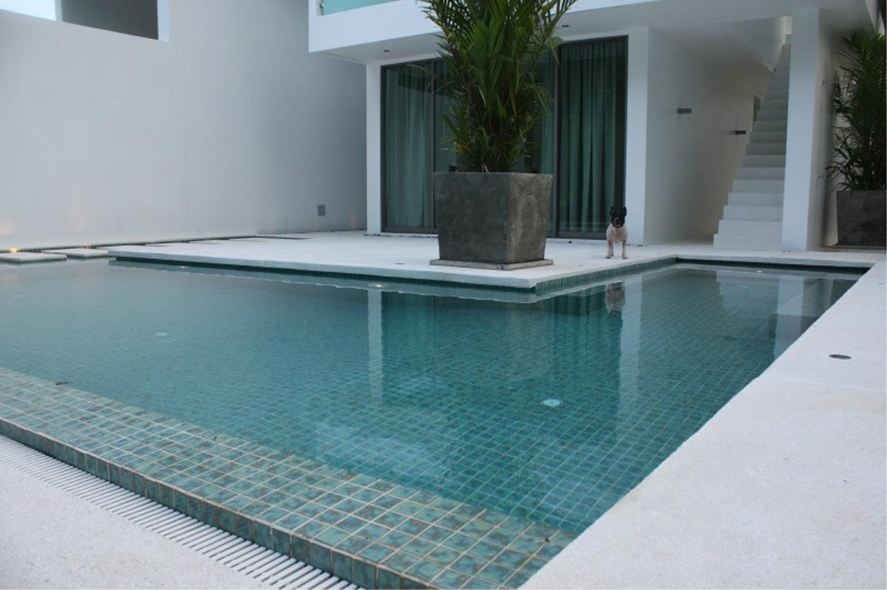 REAL Phuket  Agency's New Modern 3-Bedroom Pool Villa in Rawai 26