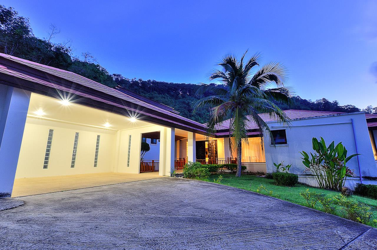 REAL Phuket  Agency's Treasure Park - 5-Bedroom Sea View Villa in Chalong 2