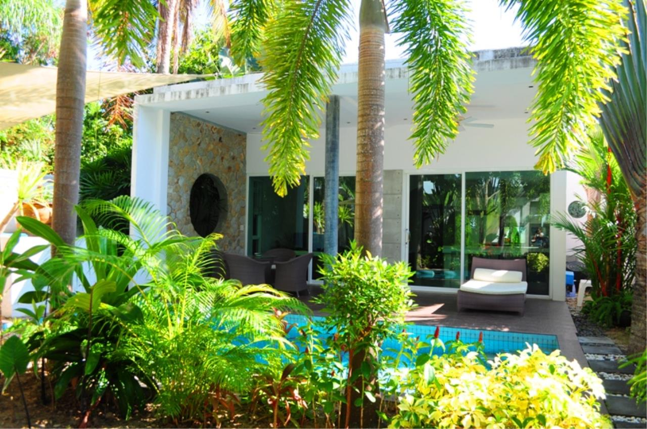 REAL Phuket  Agency's Bright Modern 2-Bedroom Pool Villa for Rent in Rawai 5