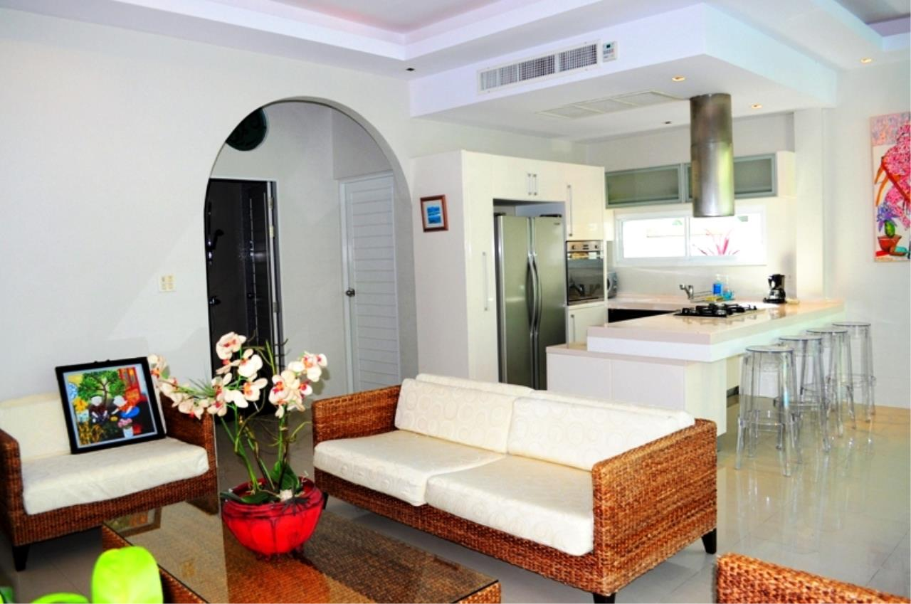 REAL Phuket  Agency's Bright Modern 2-Bedroom Pool Villa for Rent in Rawai 6