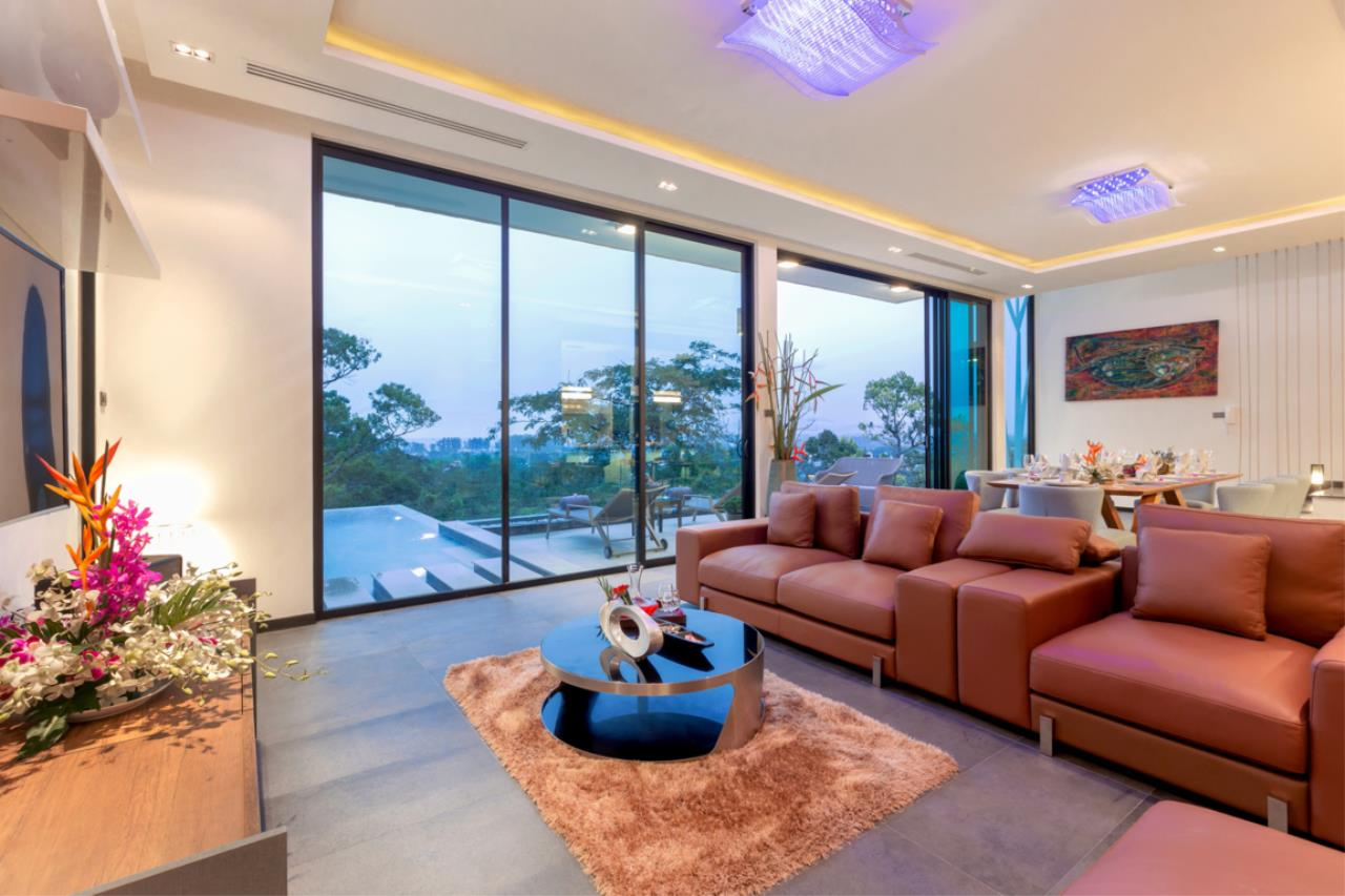 REAL Phuket  Agency's Exquisite 3-Bedroom Sea View Villa in Bang Tao 9