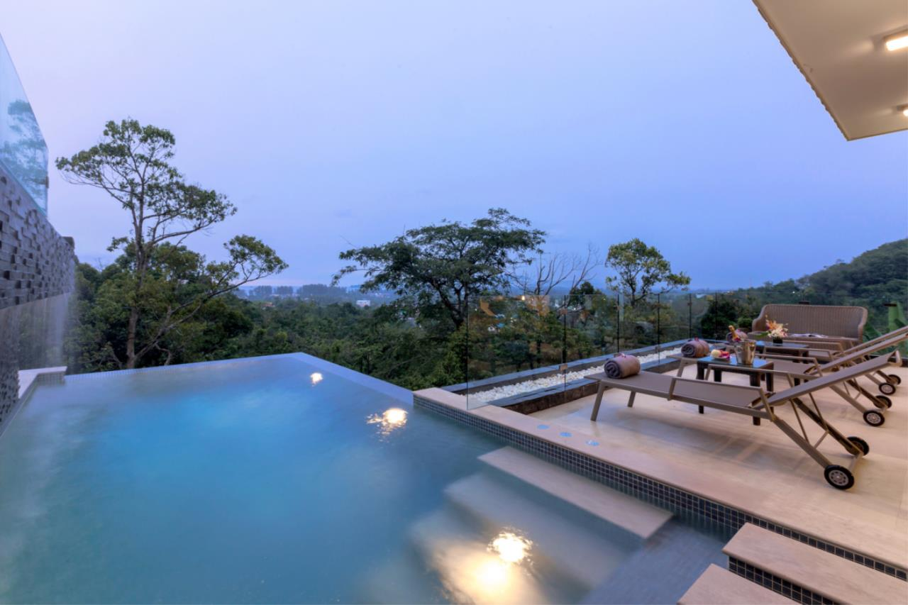 REAL Phuket  Agency's Exquisite 3-Bedroom Sea View Villa in Bang Tao 11