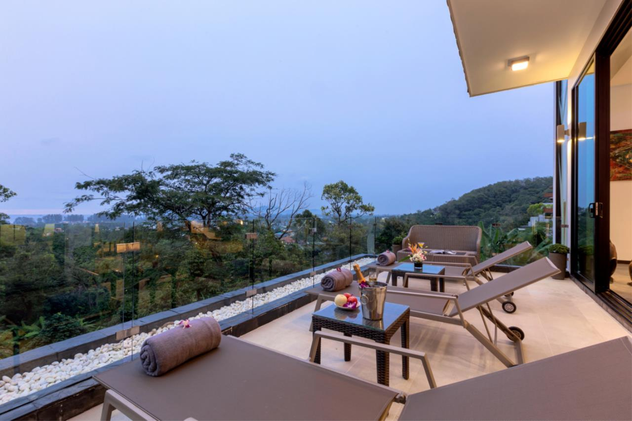 REAL Phuket  Agency's Exquisite 3-Bedroom Sea View Villa in Bang Tao 12