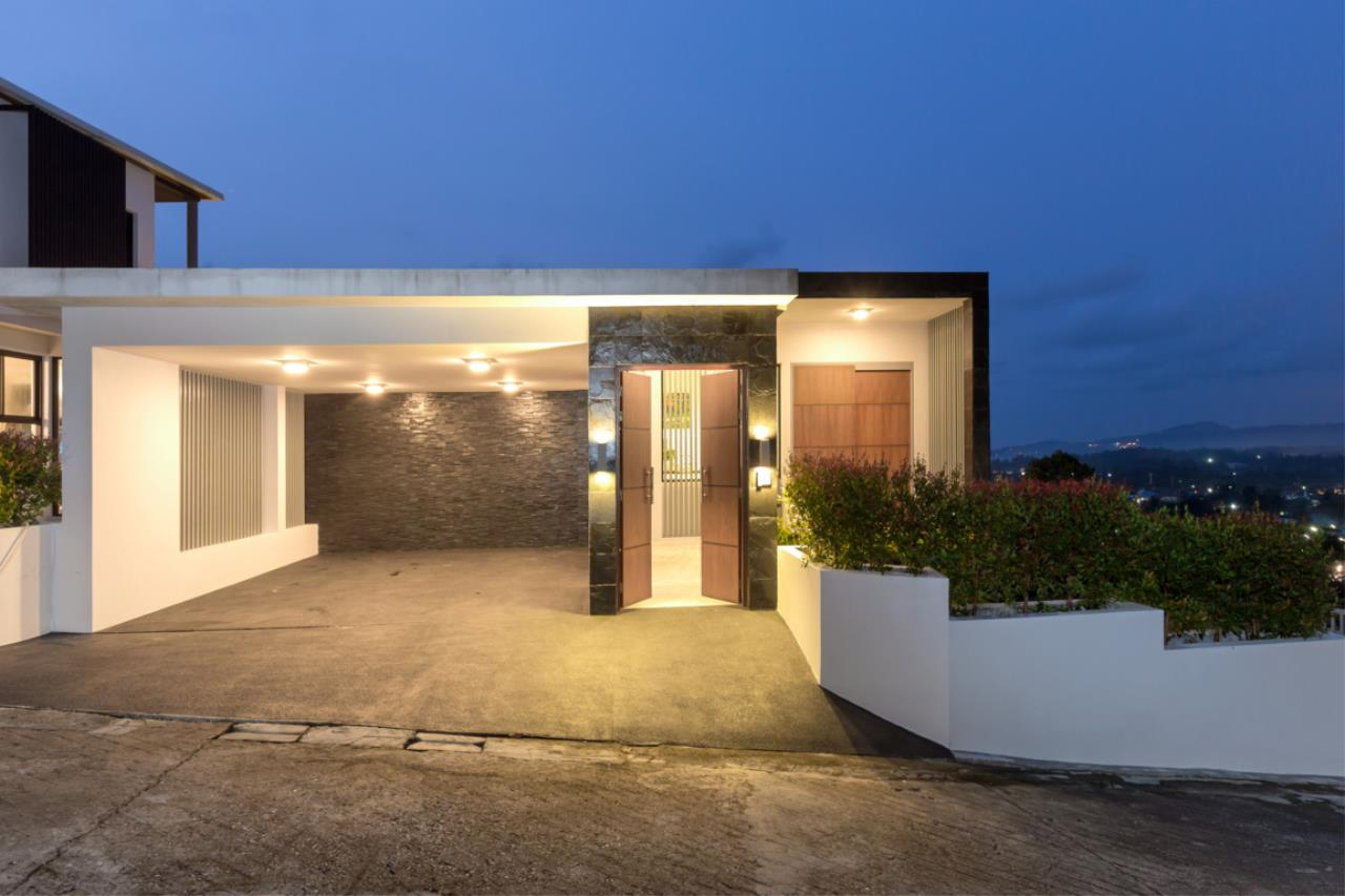 REAL Phuket  Agency's Exquisite 3-Bedroom Sea View Villa in Bang Tao 16