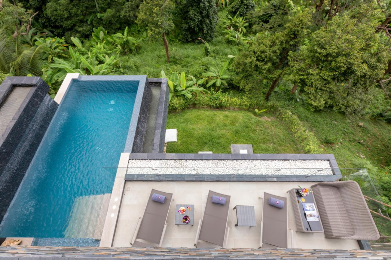 REAL Phuket  Agency's Exquisite 3-Bedroom Sea View Villa in Bang Tao 26