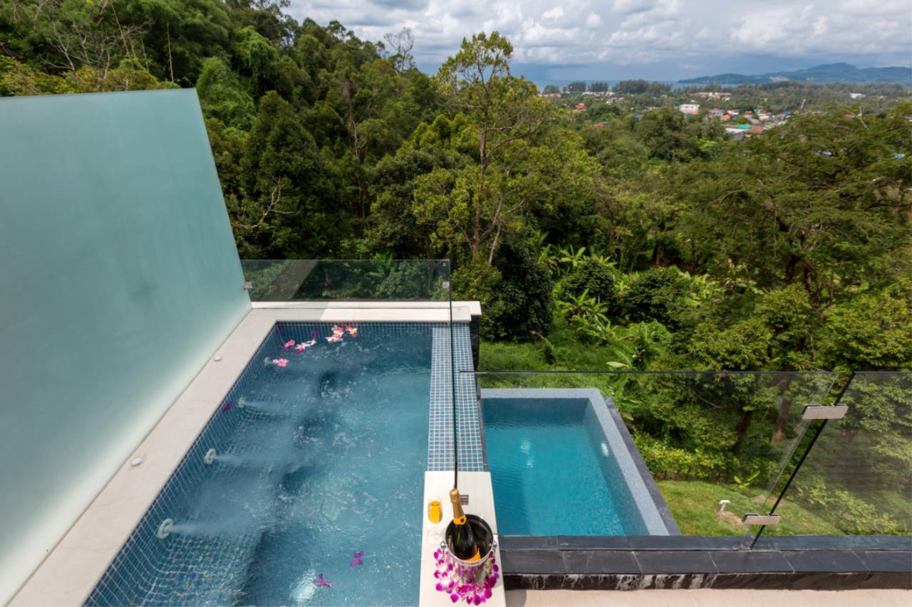 REAL Phuket  Agency's Exquisite 3-Bedroom Sea View Villa in Bang Tao 28