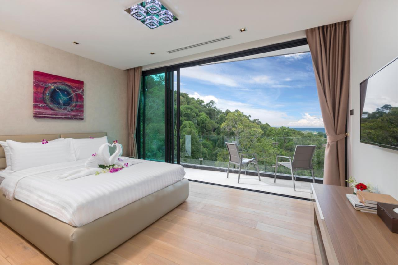 REAL Phuket  Agency's Exquisite 3-Bedroom Sea View Villa in Bang Tao 29