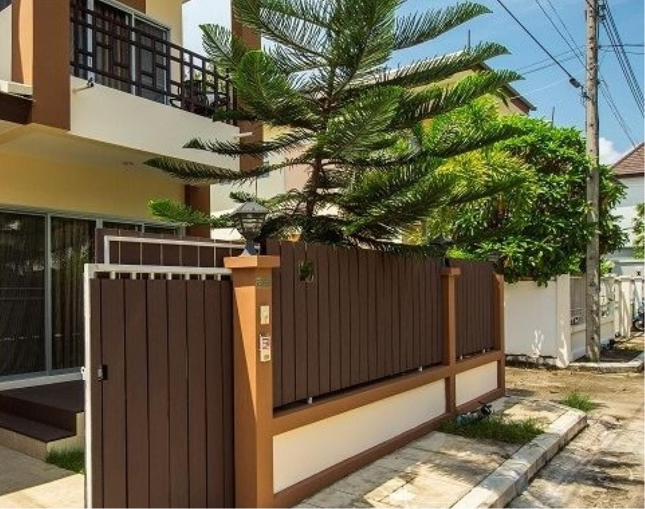 REAL Phuket  Agency's Phuket Grandville - Fabulous 3-Bedroom Town Home with Private Pool near Laguna 11