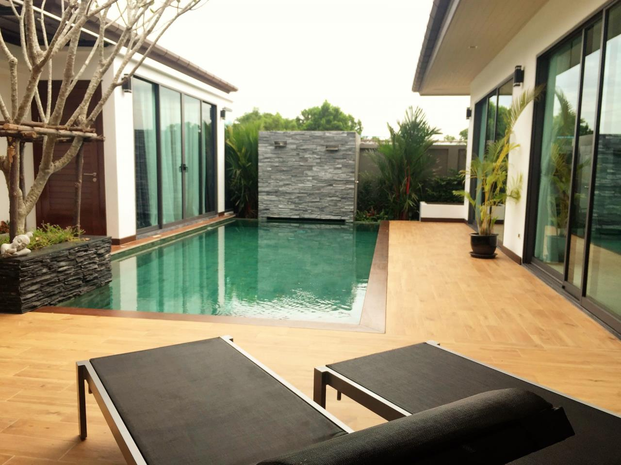 REAL Phuket  Agency's The Lake House - 3-Bedroom Pool Villa in Cherngtalay 1
