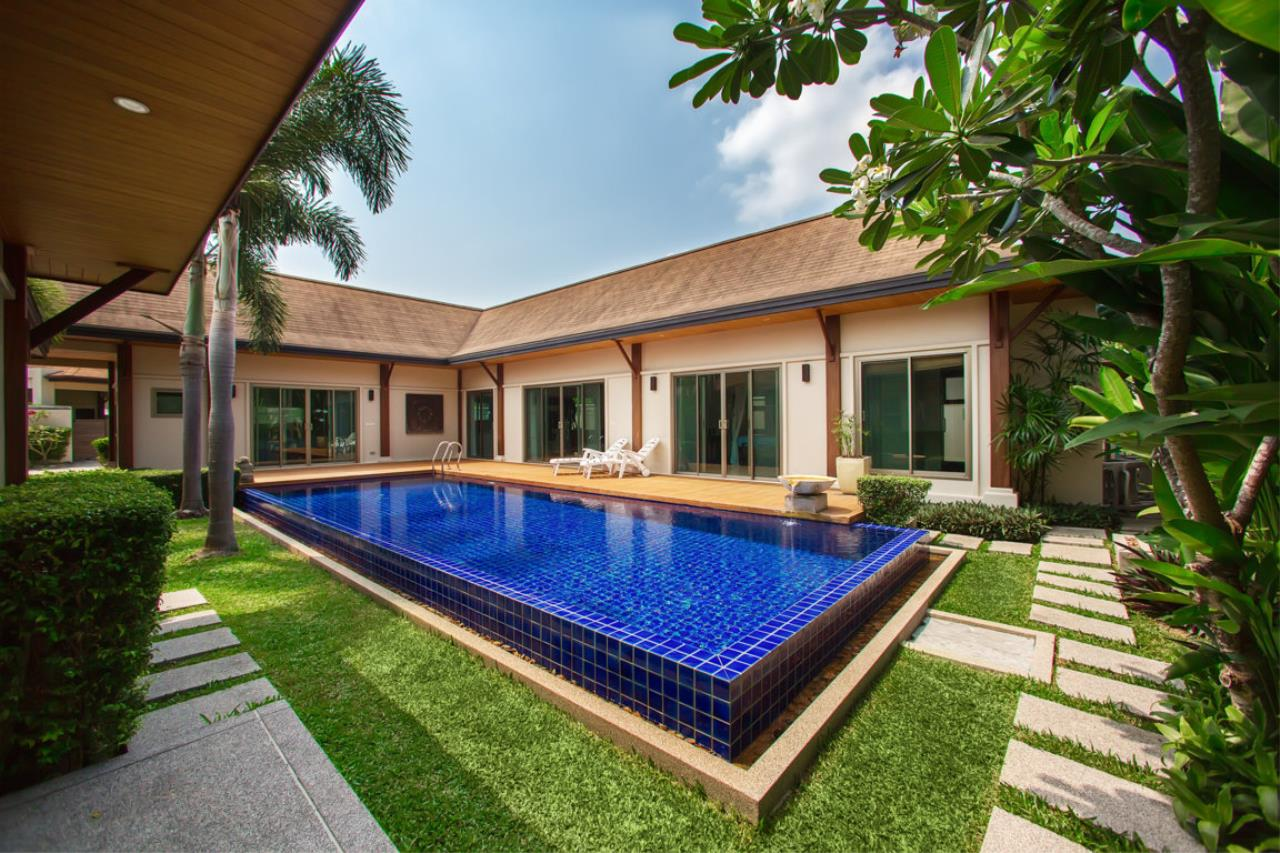 REAL Phuket  Agency's Kokyang Estate - Modern 3-Bedroom Pool Villa in the South of Phuket Island 1