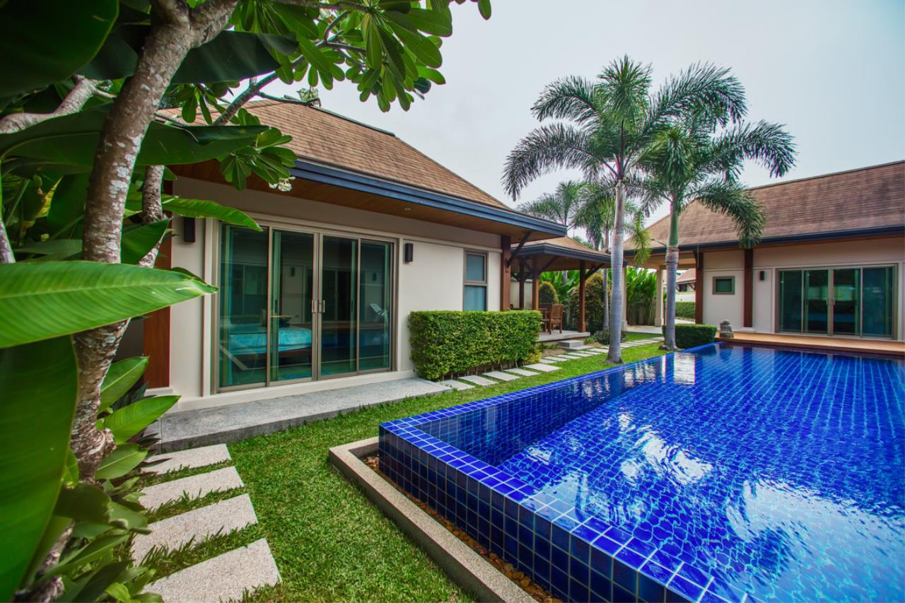 REAL Phuket  Agency's Kokyang Estate - Modern 3-Bedroom Pool Villa in the South of Phuket Island 9