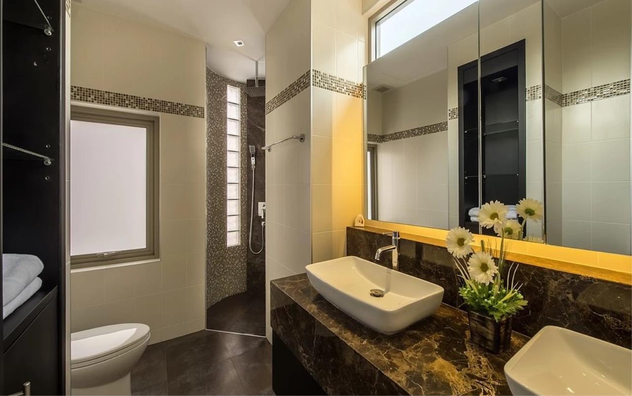 REAL Phuket  Agency's Modern 3-Bedroom Twin Pool Villa in Cherngtalay 15