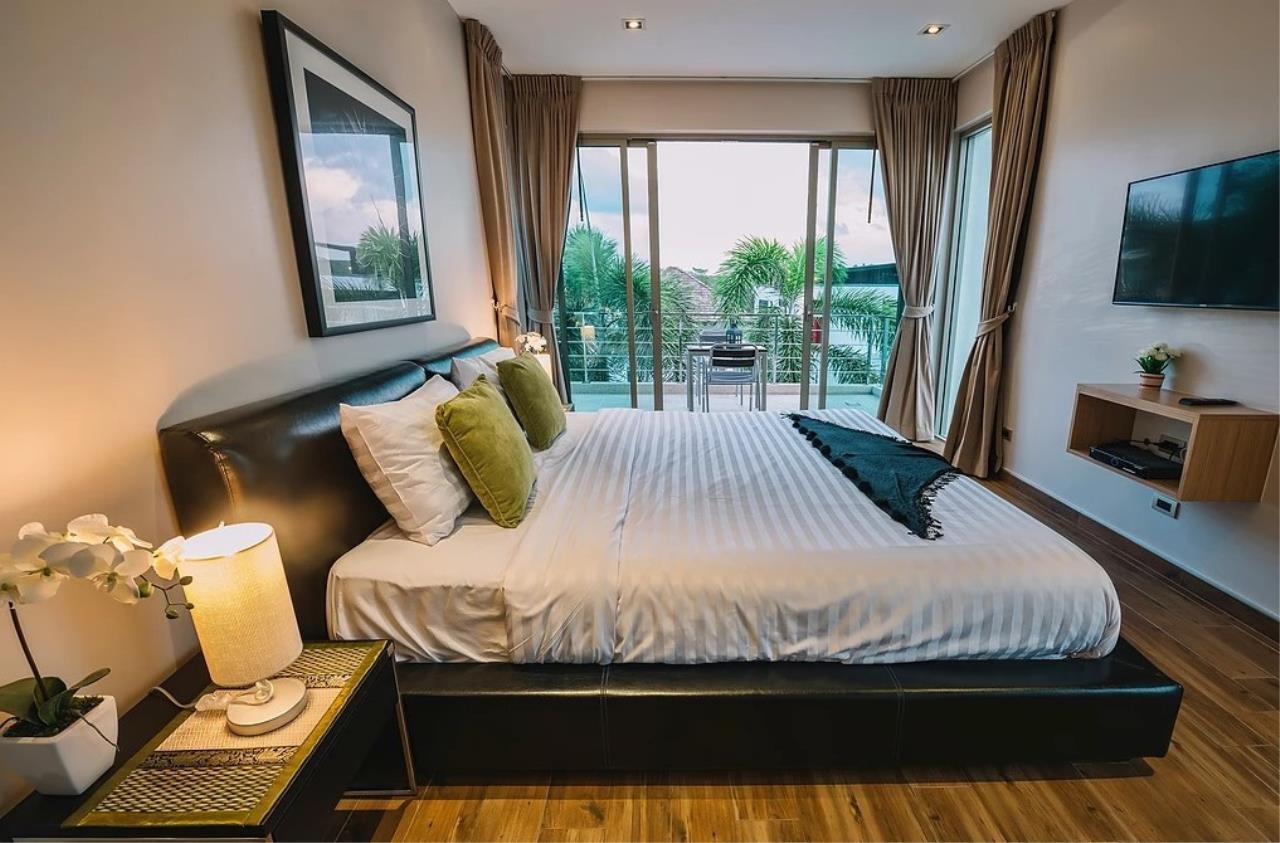 REAL Phuket  Agency's Modern 3-Bedroom Twin Pool Villa in Cherngtalay 4