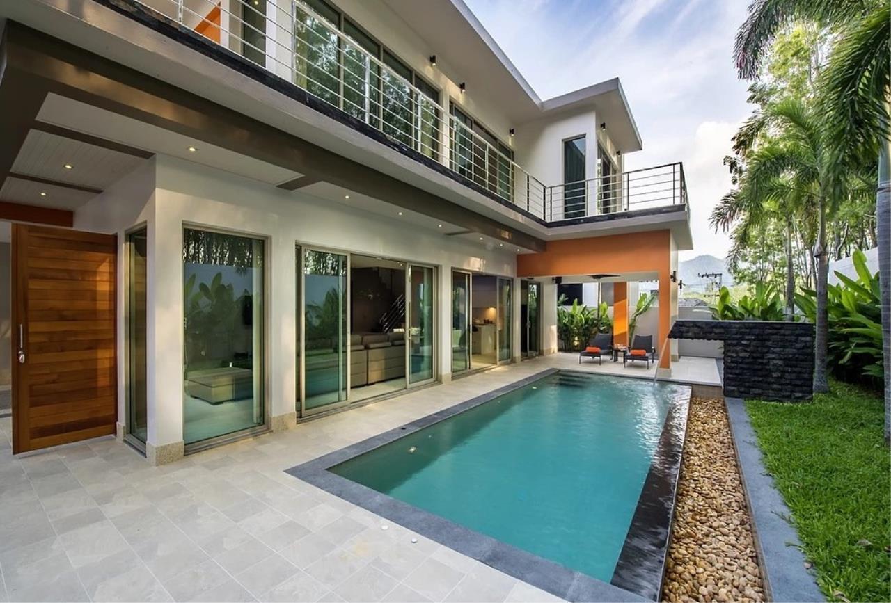 REAL Phuket  Agency's Modern 3-Bedroom Twin Pool Villa in Cherngtalay 1