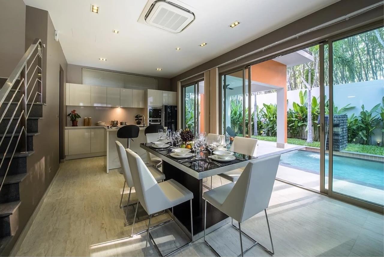 REAL Phuket  Agency's Modern 3-Bedroom Twin Pool Villa in Cherngtalay 9