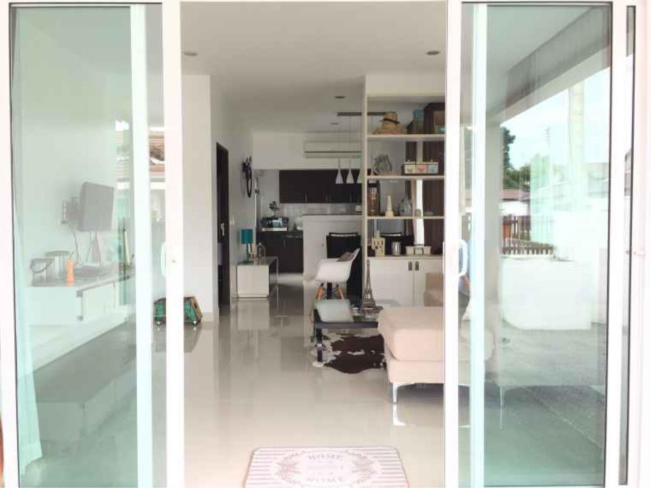 REAL Phuket  Agency's The Happy Place - Modern 2-Bedroom Duplex House in Thalang 7